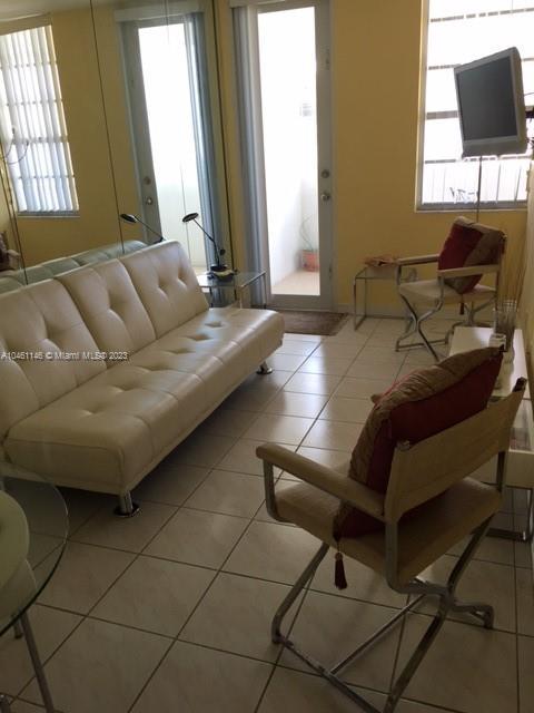 Decoplage #1045 - 100 Lincoln Rd #1045, Miami Beach, FL 33139
