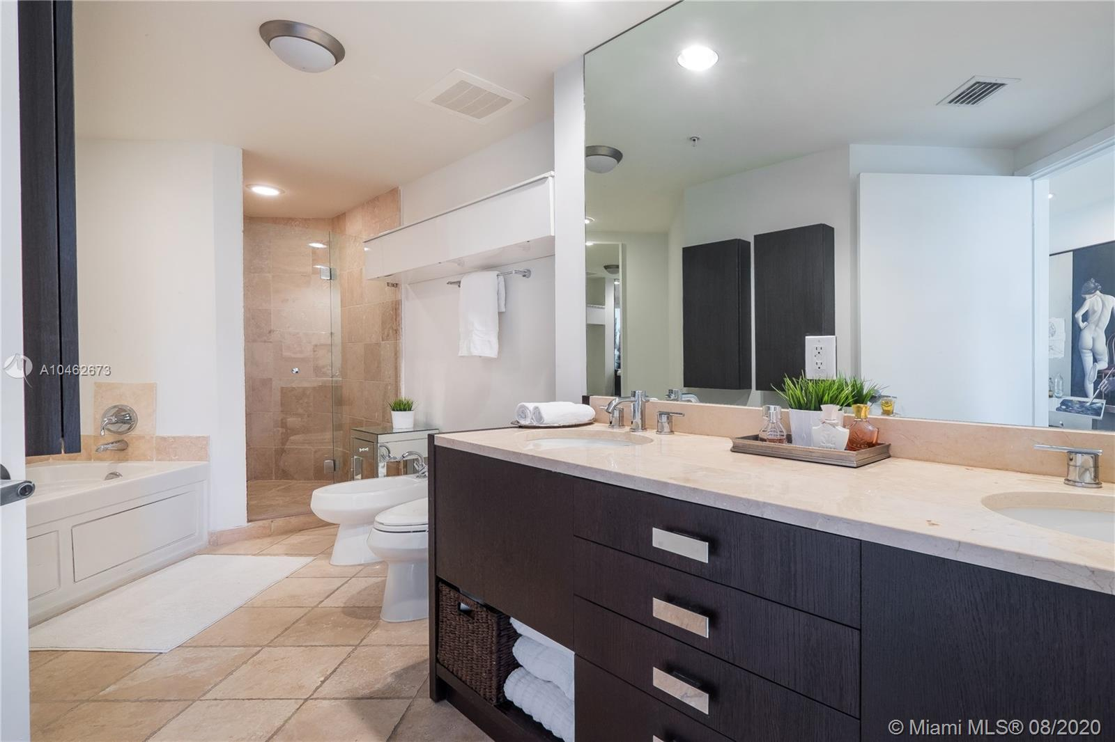 18201 Collins Ave #601A photo09