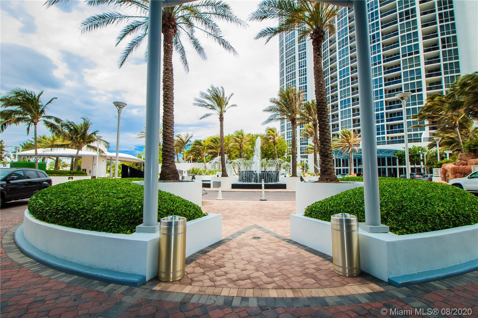 18201 Collins Ave #601A photo024
