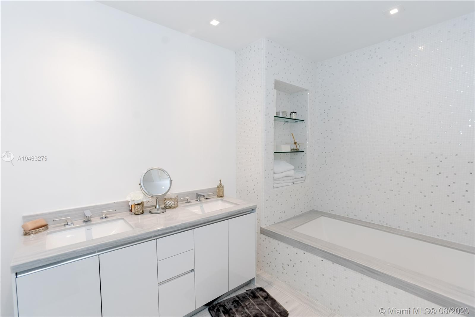16901 Collins Ave #604 photo029