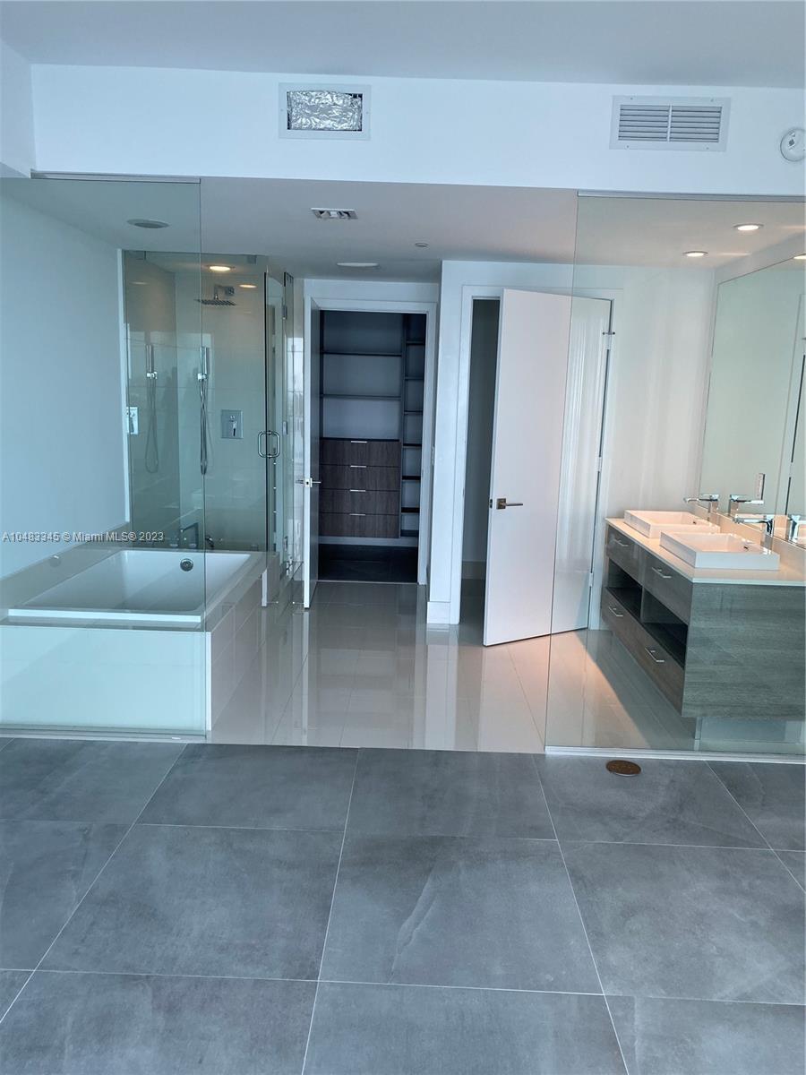 650 NE 32 # 4102, Miami, Florida 33137, 1 Bedroom Bedrooms, ,2 BathroomsBathrooms,Residential,For Sale,650 NE 32 # 4102,A10483345