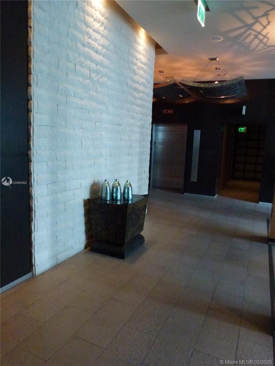 900 Brickell Key Blvd #1702 photo014