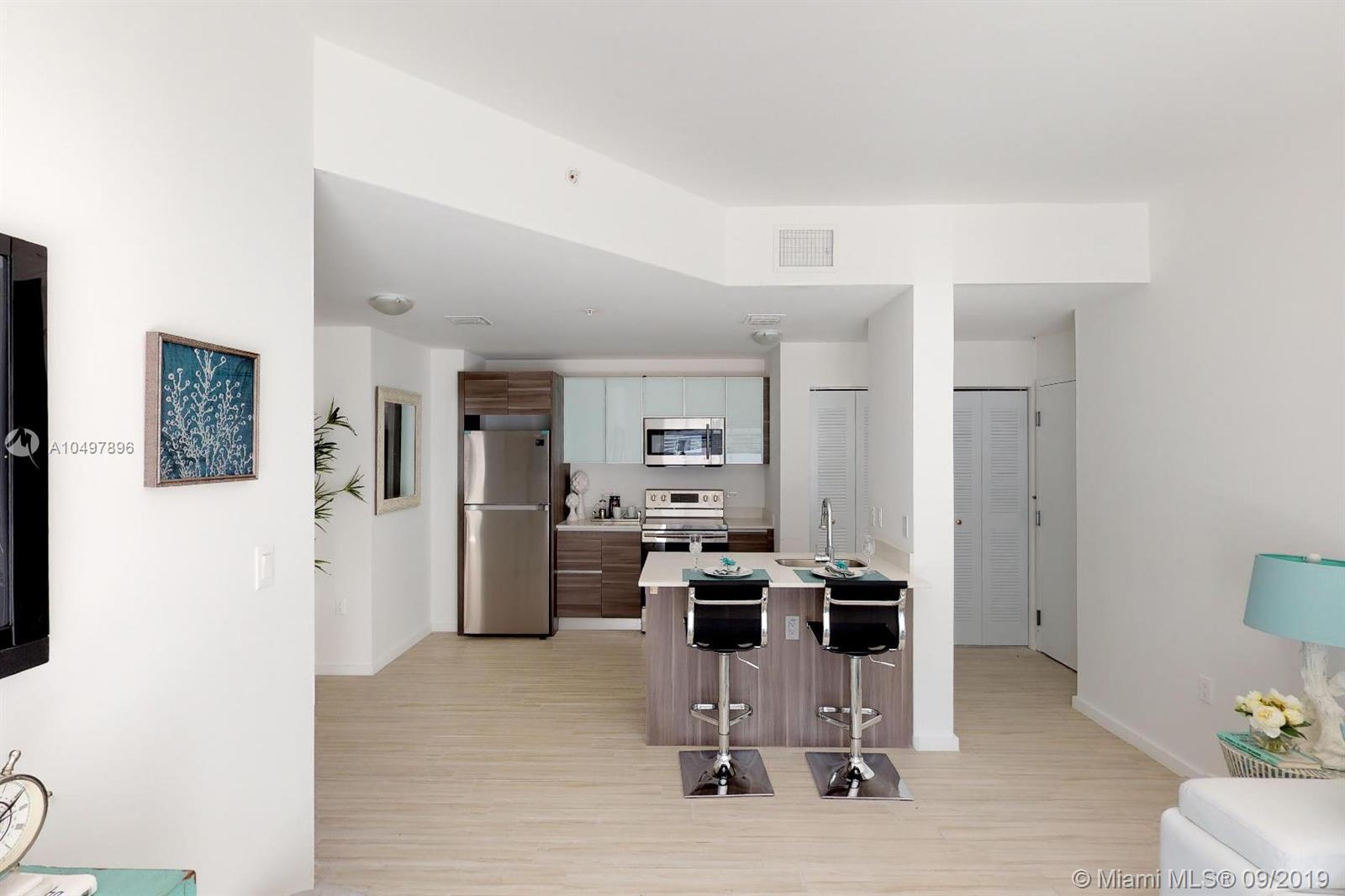 Property 481 NE 29 ST #701 image 6