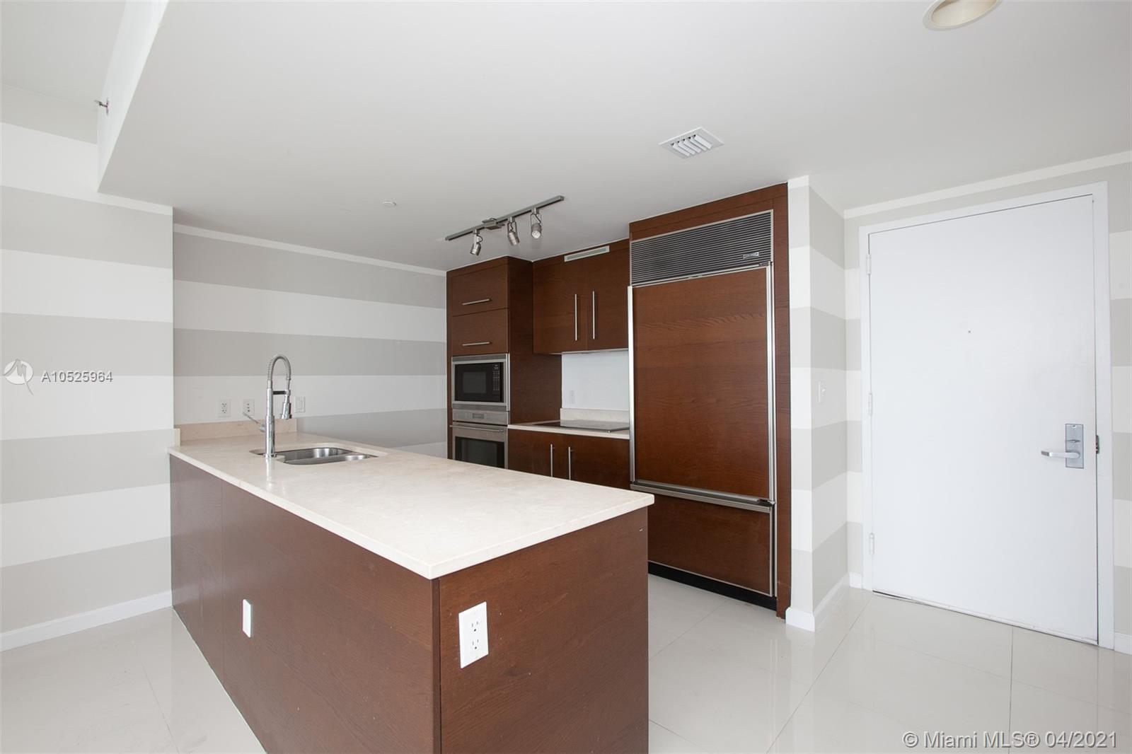 465 Brickell Ave #4406 photo03