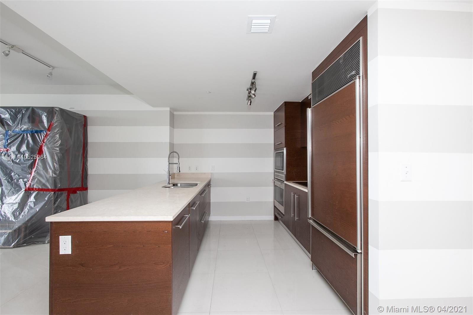 465 Brickell Ave #4406 photo04