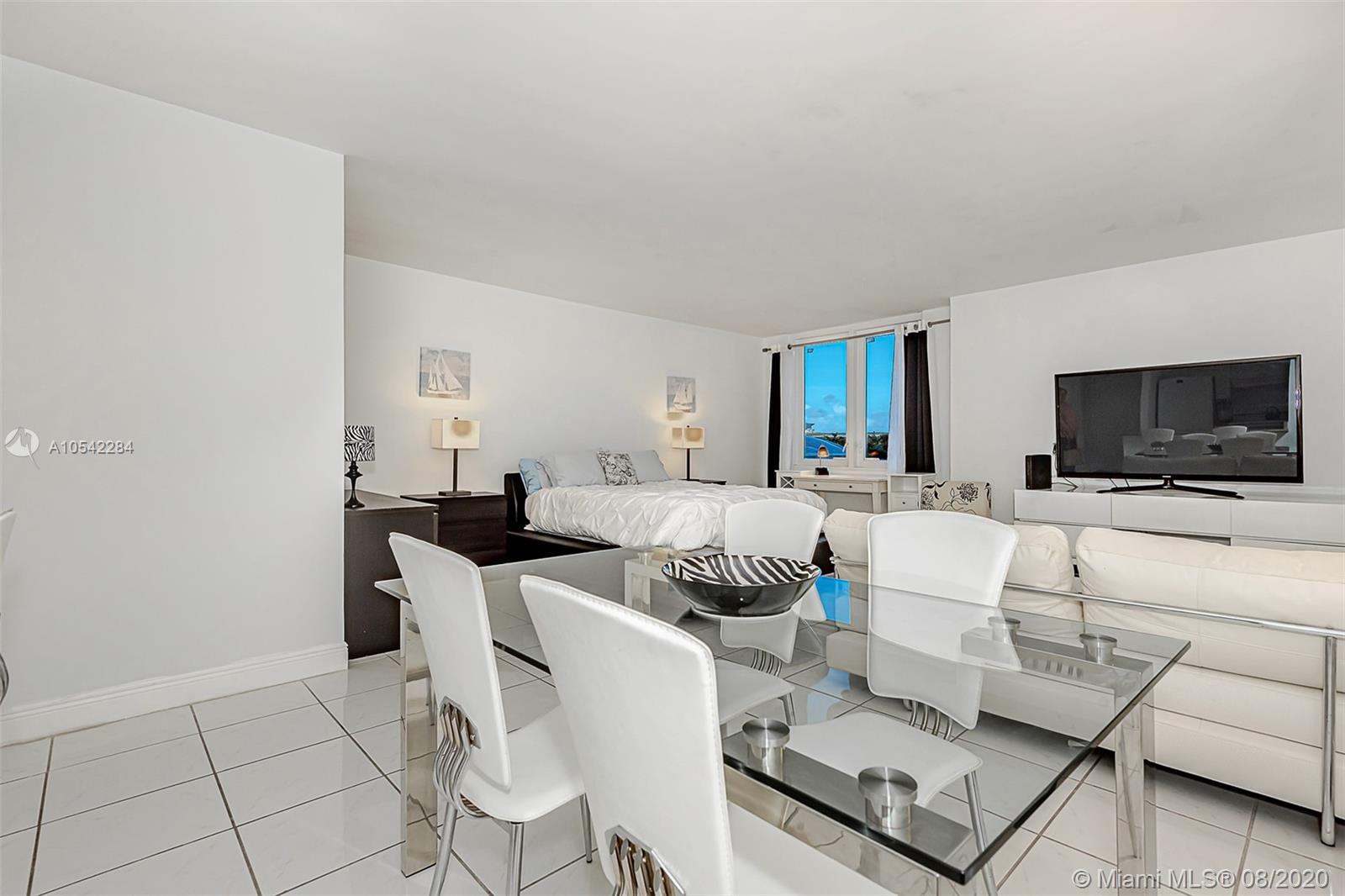 Roney Palace #423 - 2301 Collins Ave #423, Miami Beach, FL 33139