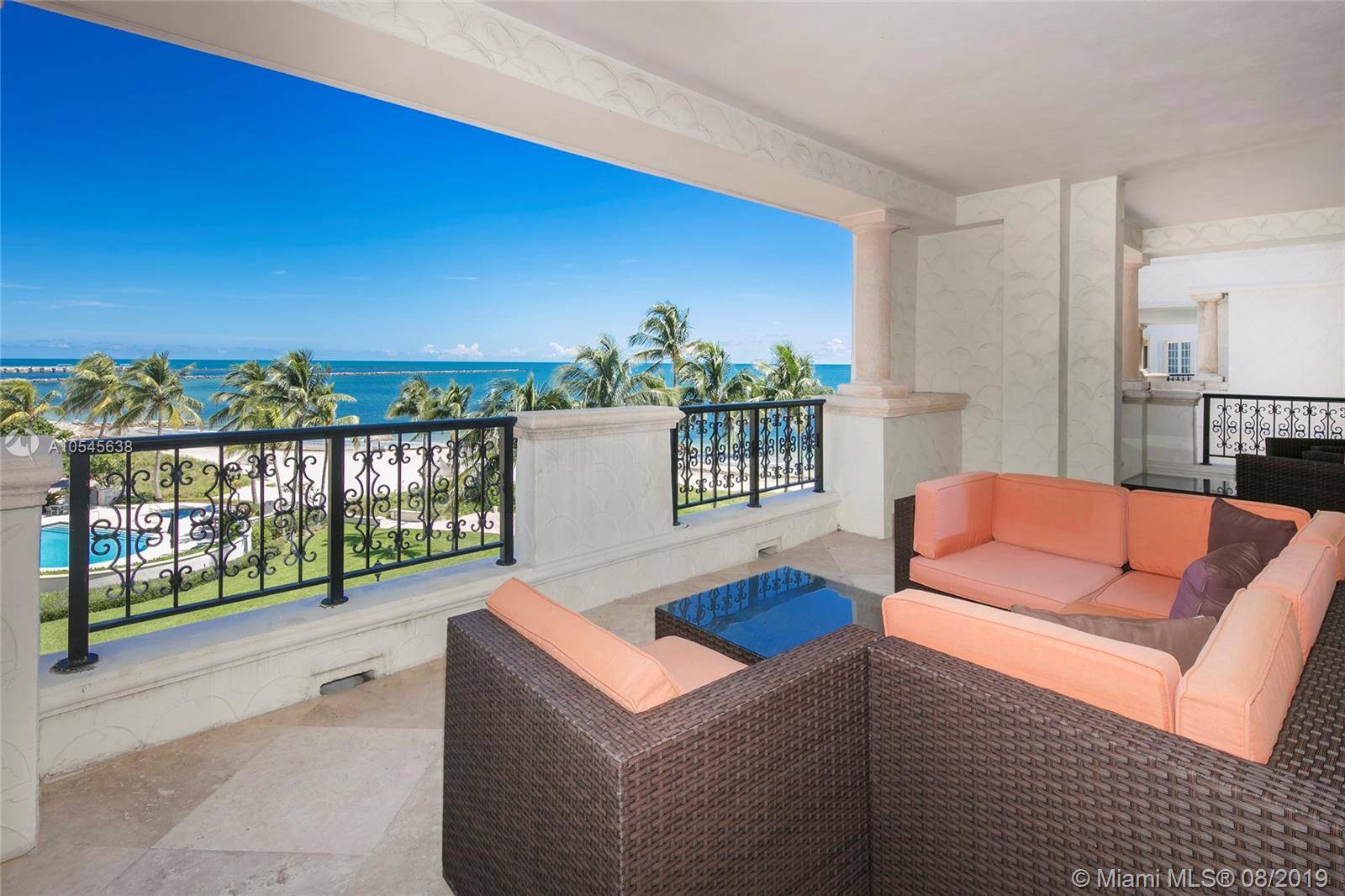 7942 Fisher Island Dr #7942 photo01