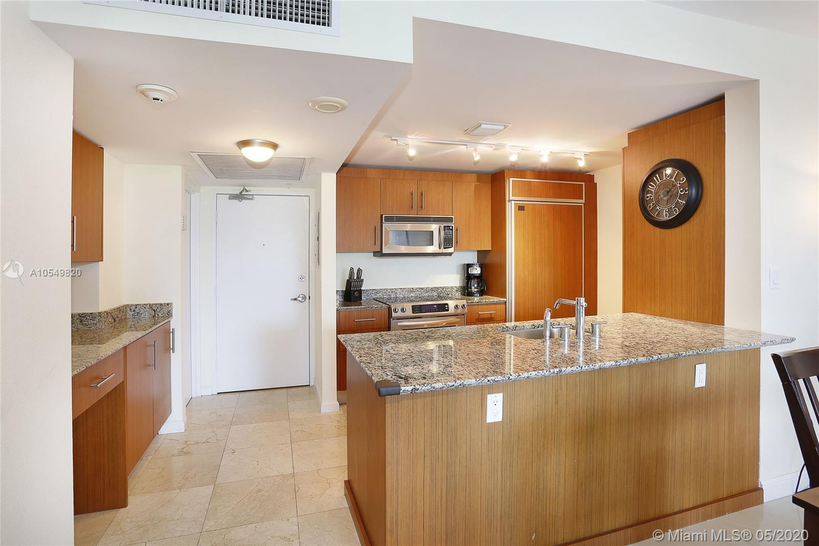 10275 Collins Ave #324 photo08