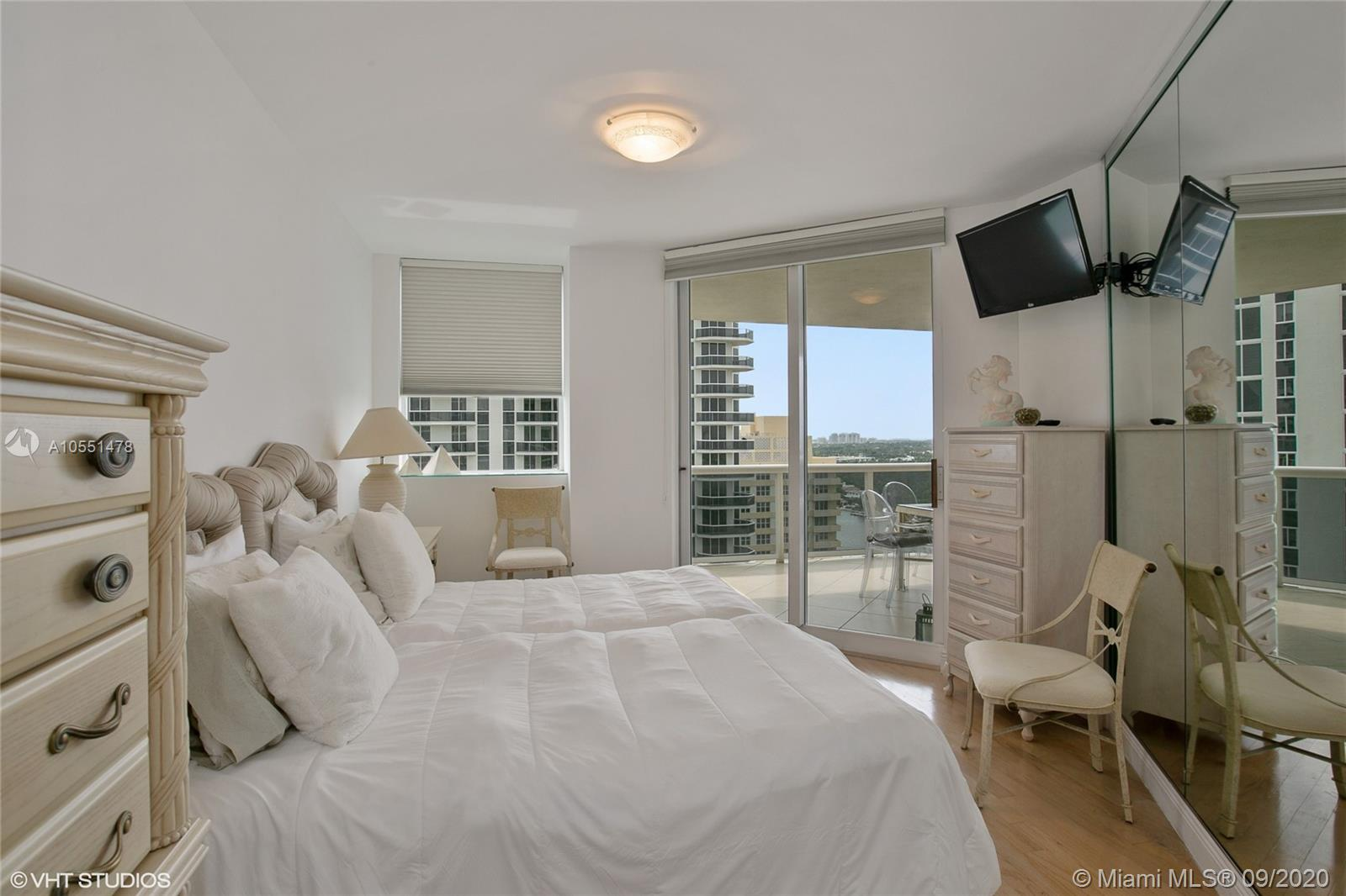 4779 Collins Ave #1904 photo09