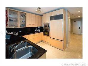 6799 Collins Ave #102 photo07
