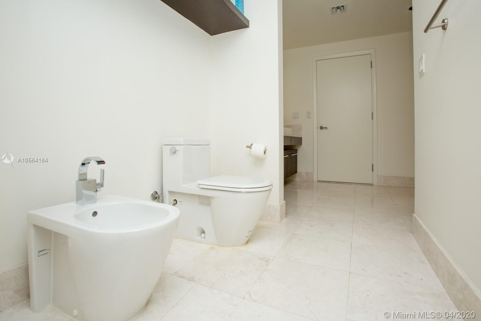 17121 COLLINS AVE #807 photo019