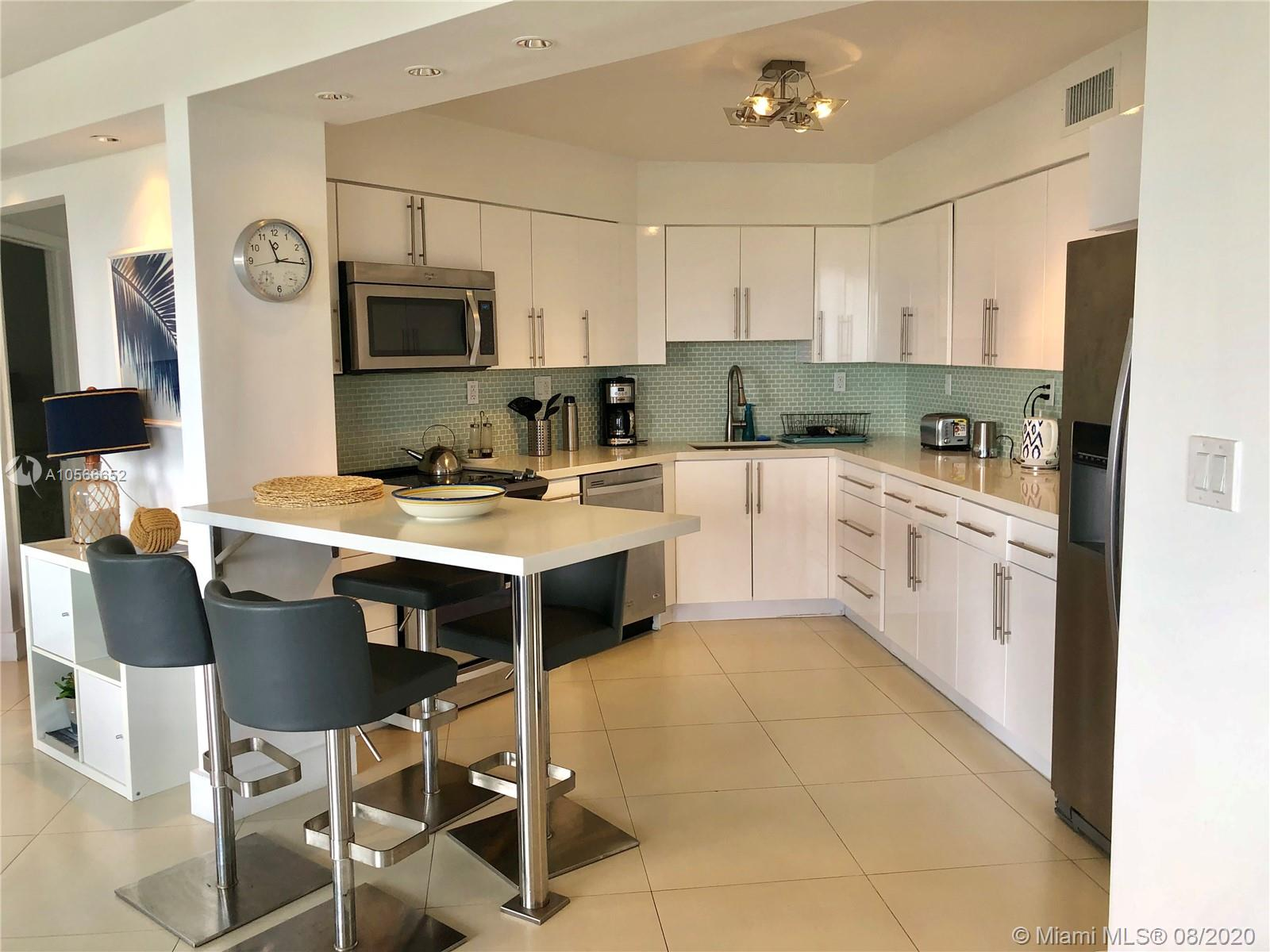 5151 Collins Ave #923 photo010