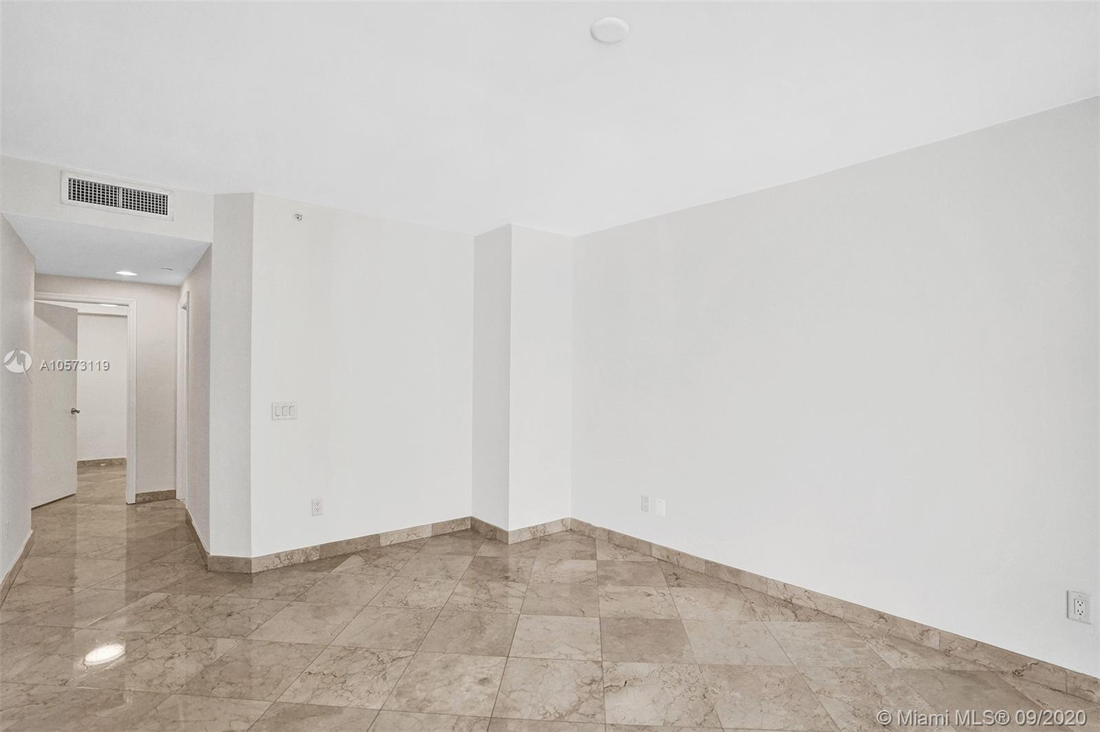4779 Collins Ave #1208 photo042