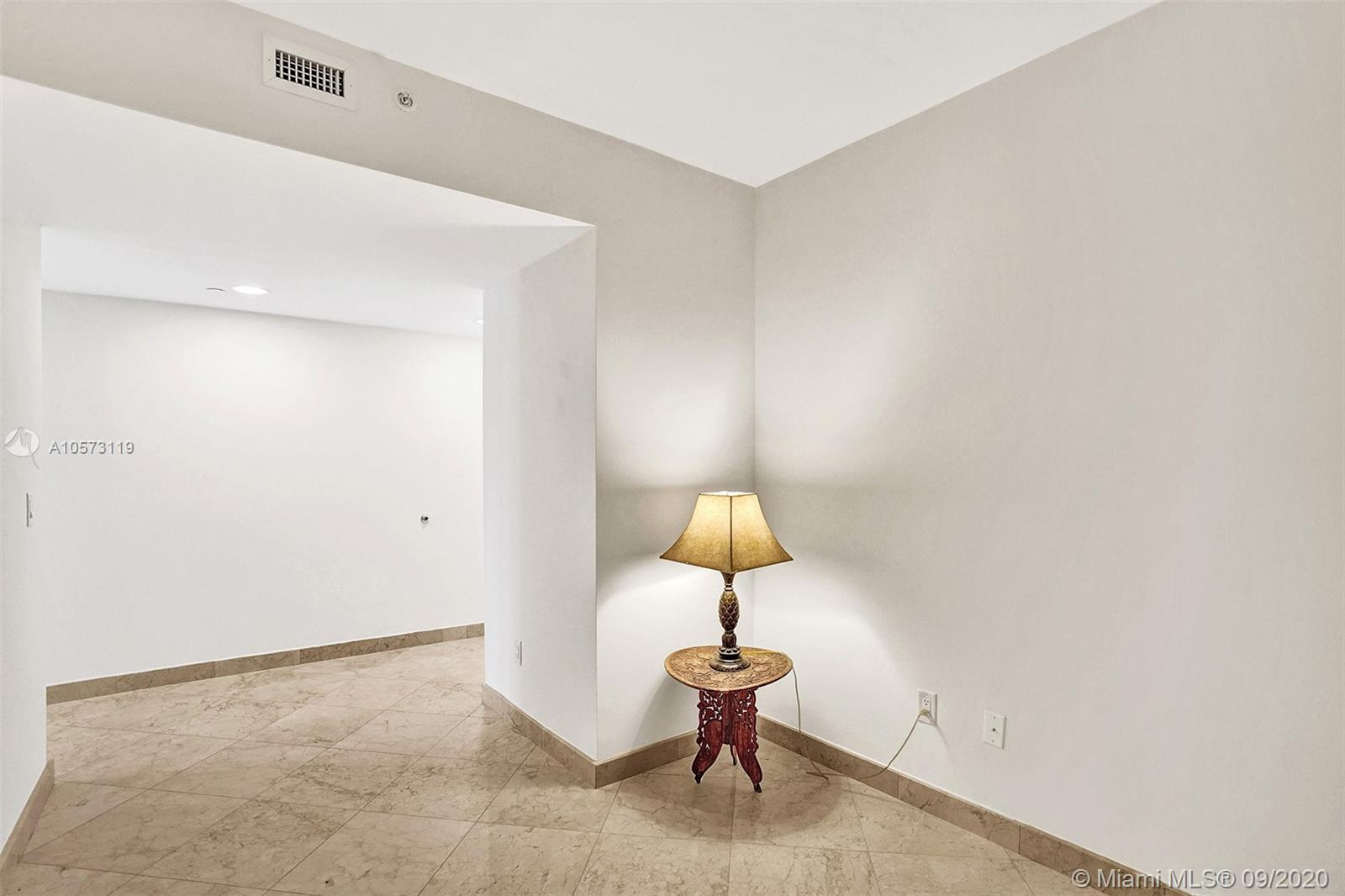 4779 Collins Ave #1208 photo046