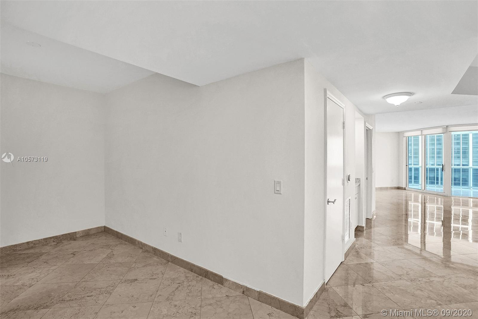 4779 Collins Ave #1208 photo09