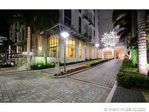 1060 Brickell Ave #3709 photo01