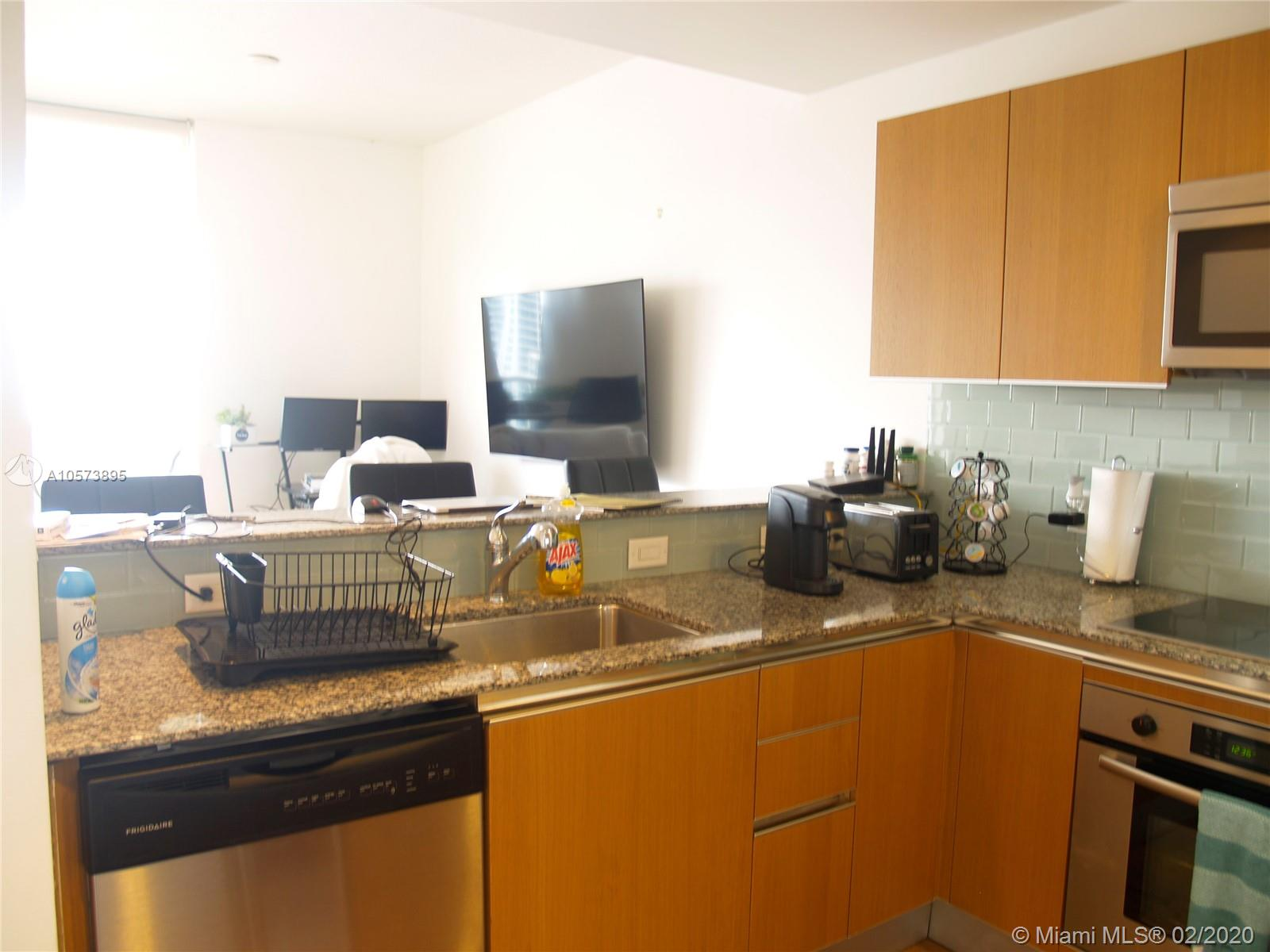 1060 Brickell Ave #3709 photo014