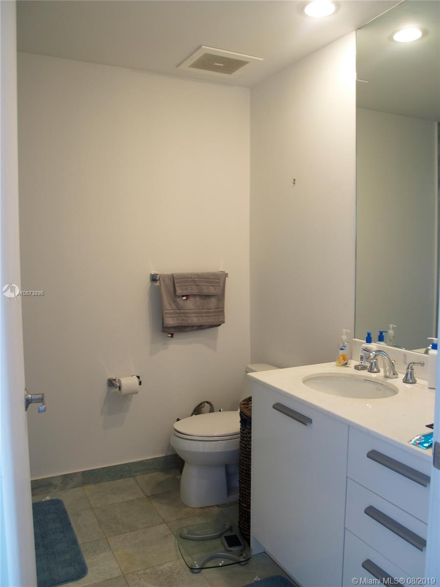 1060 Brickell Ave #3709 photo018