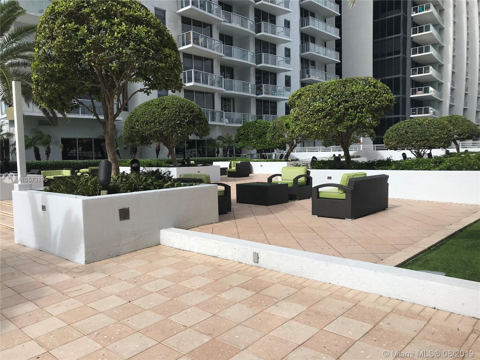 1060 Brickell Ave #3709 photo029