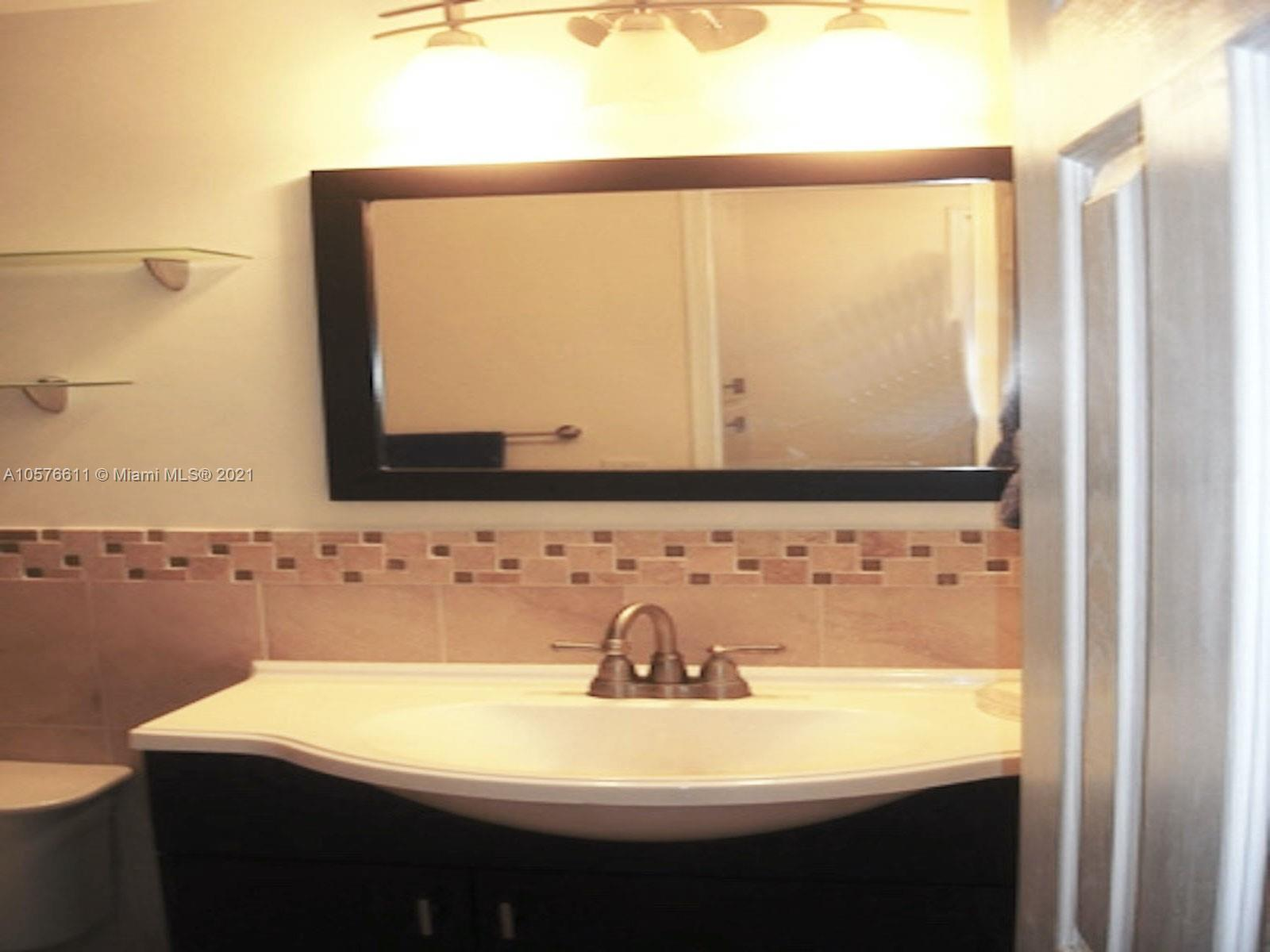 10185 Collins Ave #312 photo019