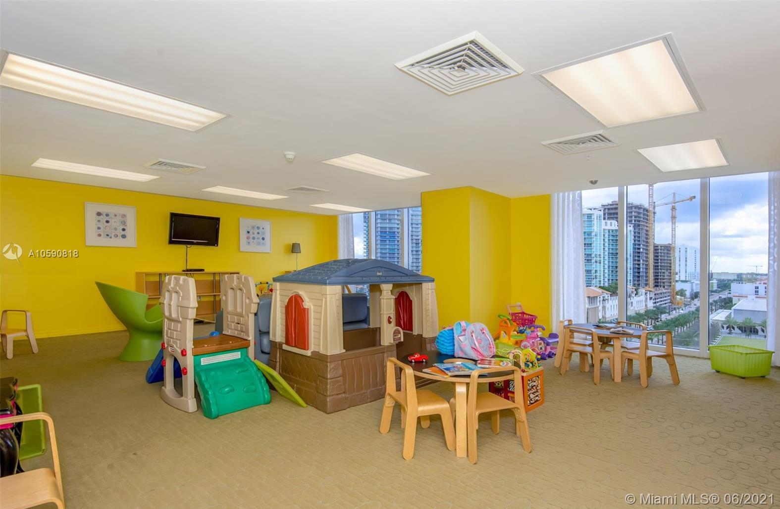16699 Collins Ave #1507 photo021