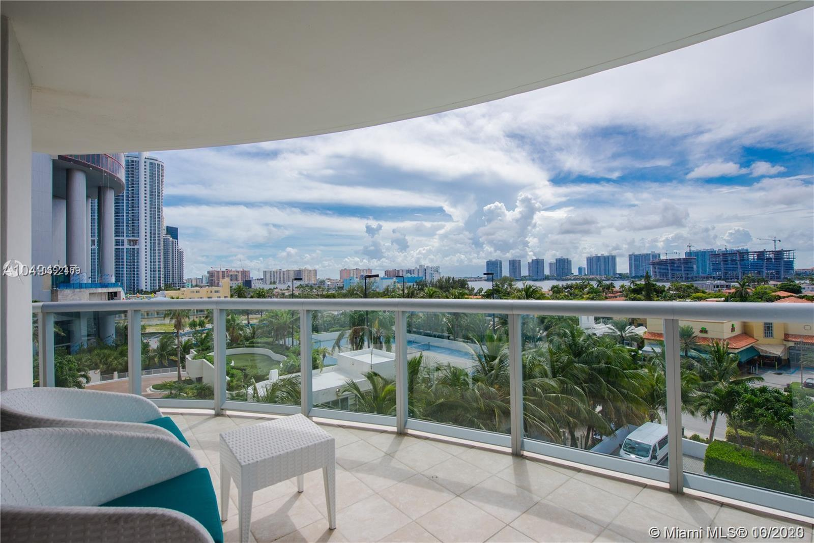 18683 Collins Ave #608 photo013