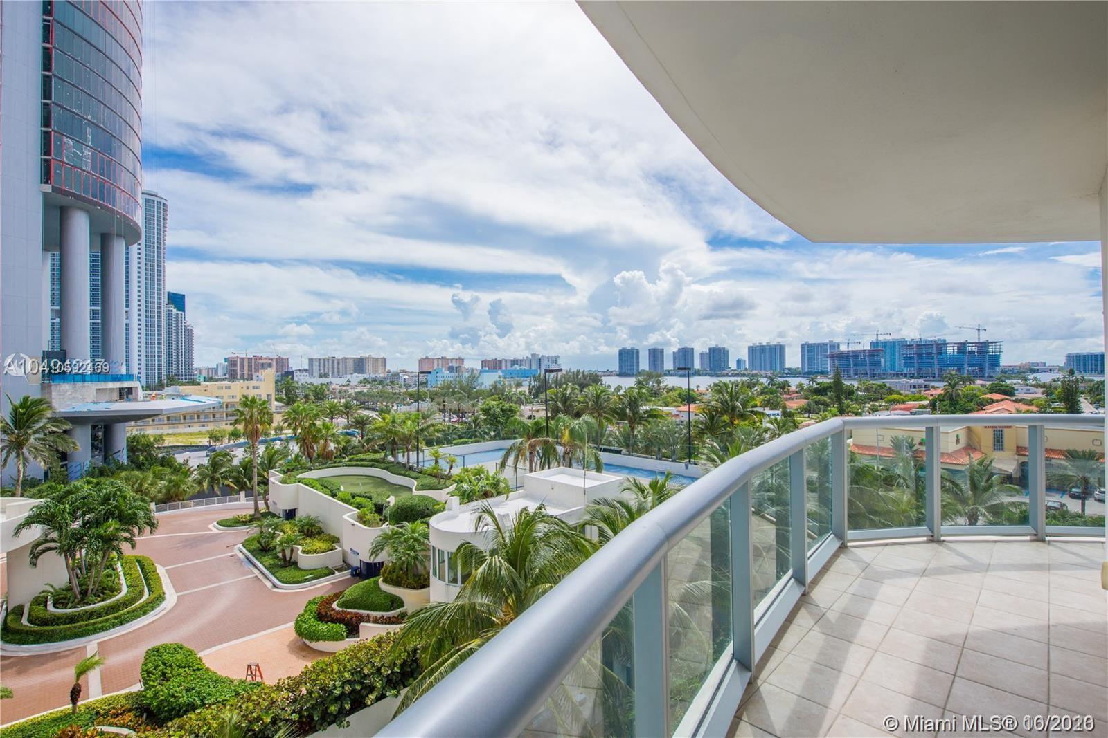 18683 Collins Ave #608 photo017