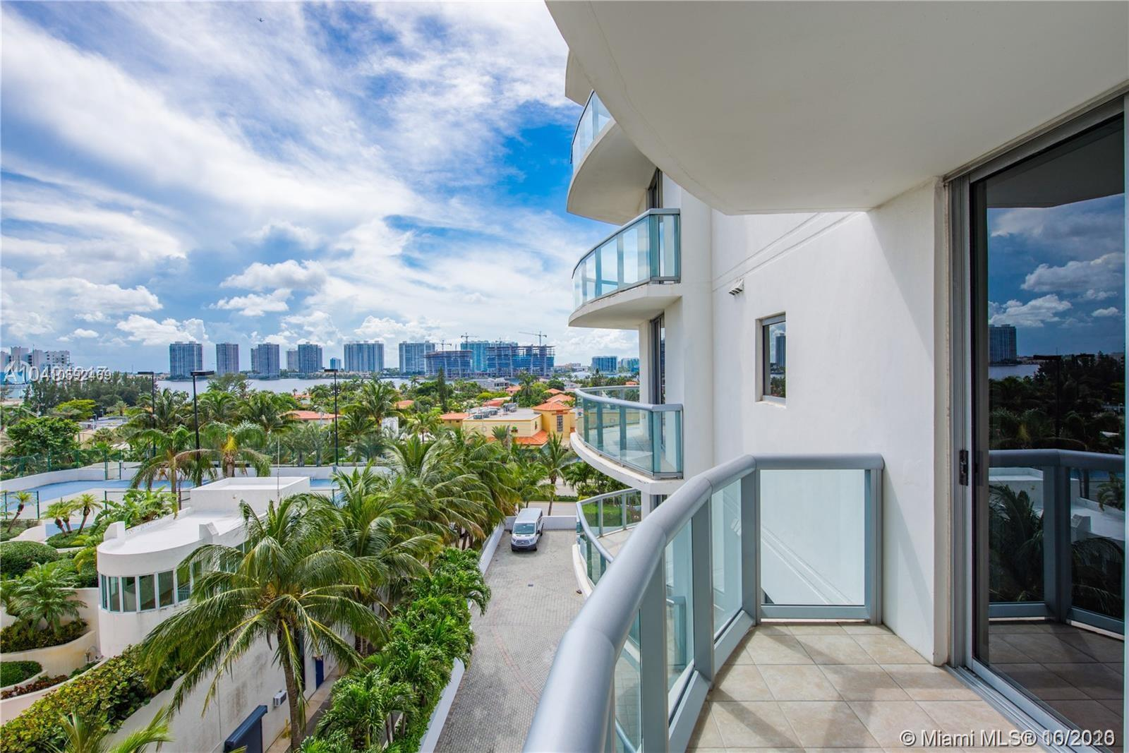18683 Collins Ave #608 photo031