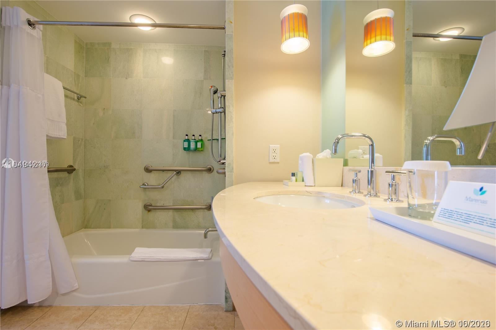 18683 Collins Ave #608 photo029