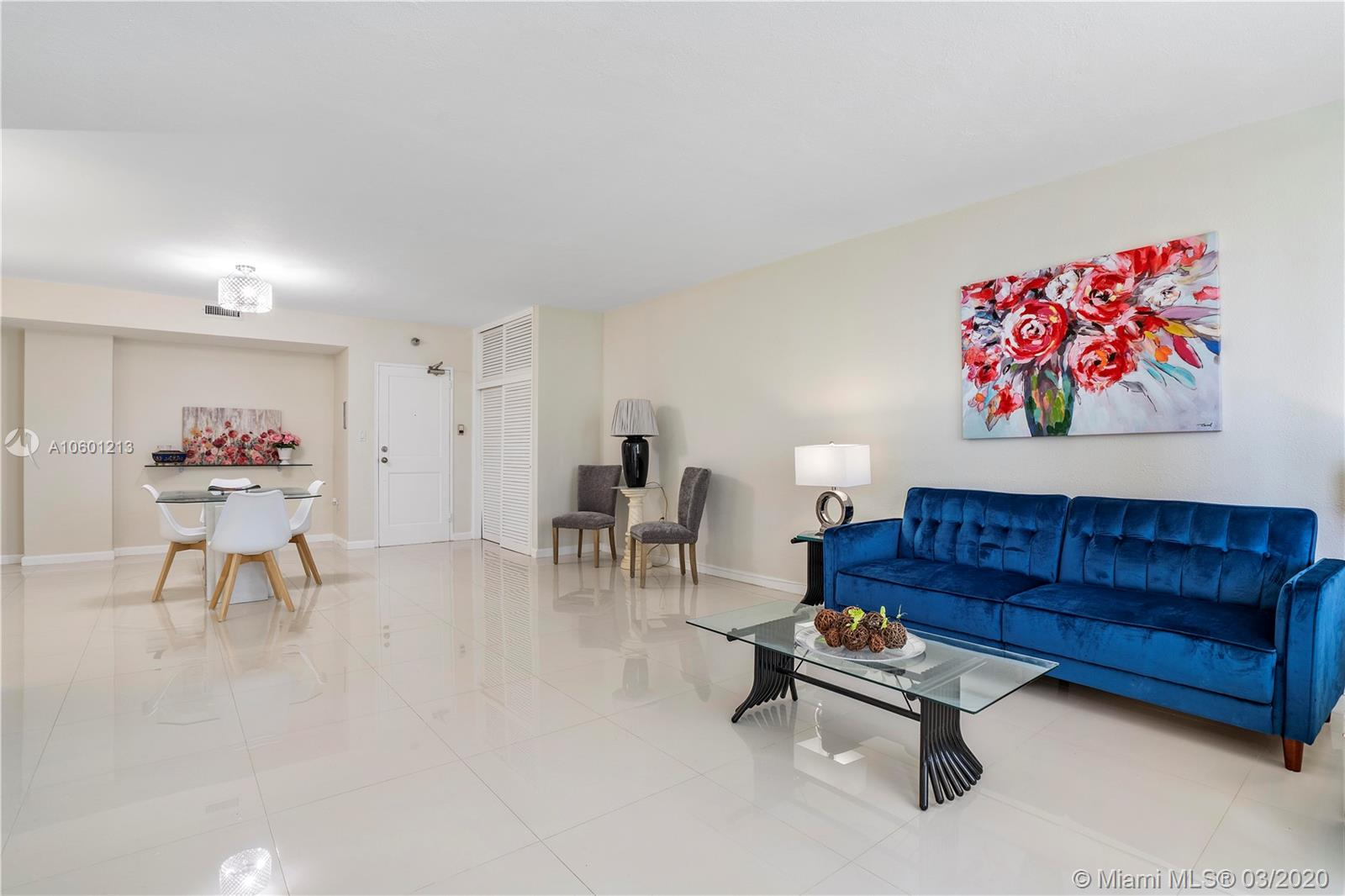 10185 Collins Ave #515 photo06