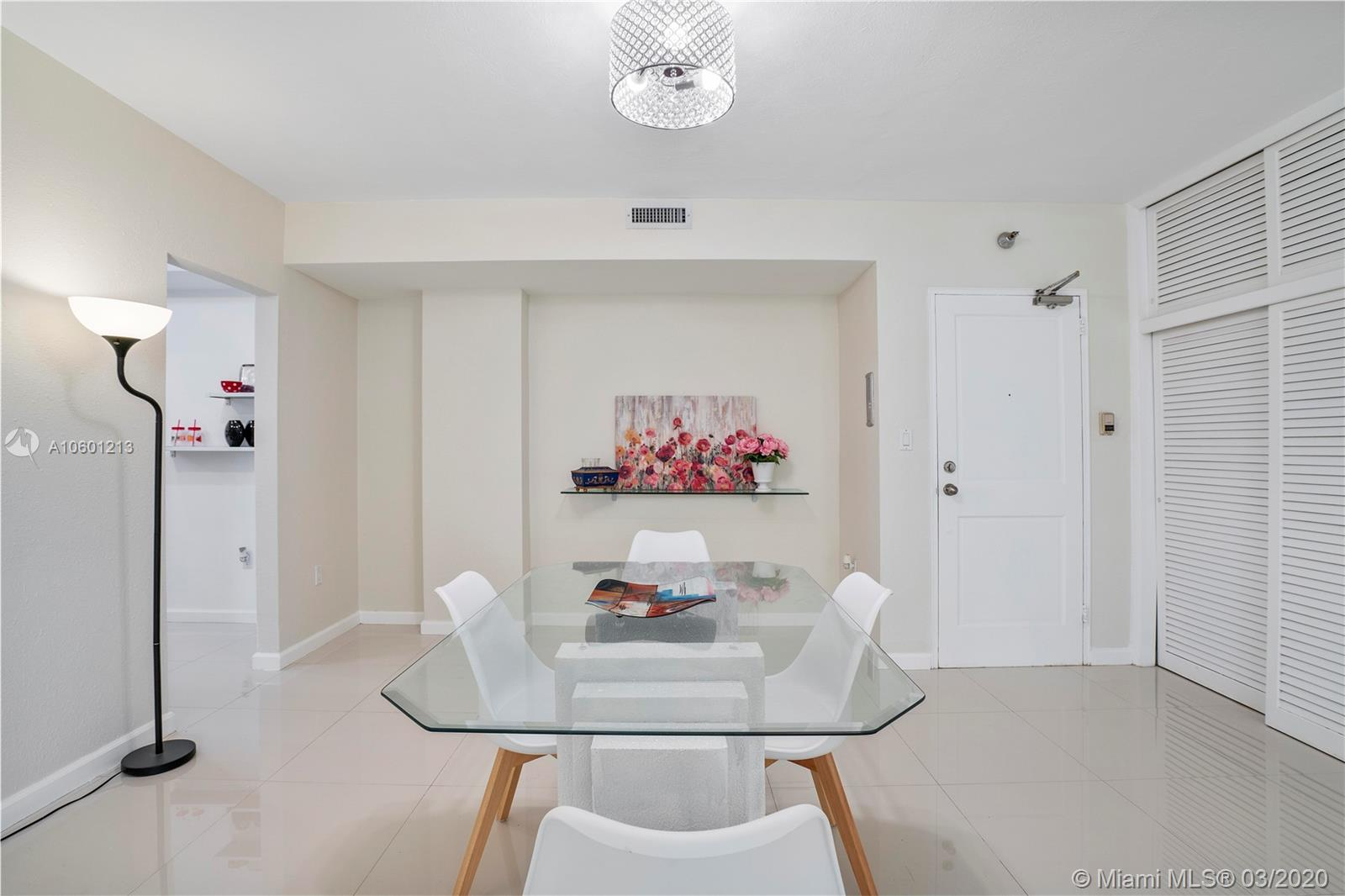 10185 Collins Ave #515 photo09