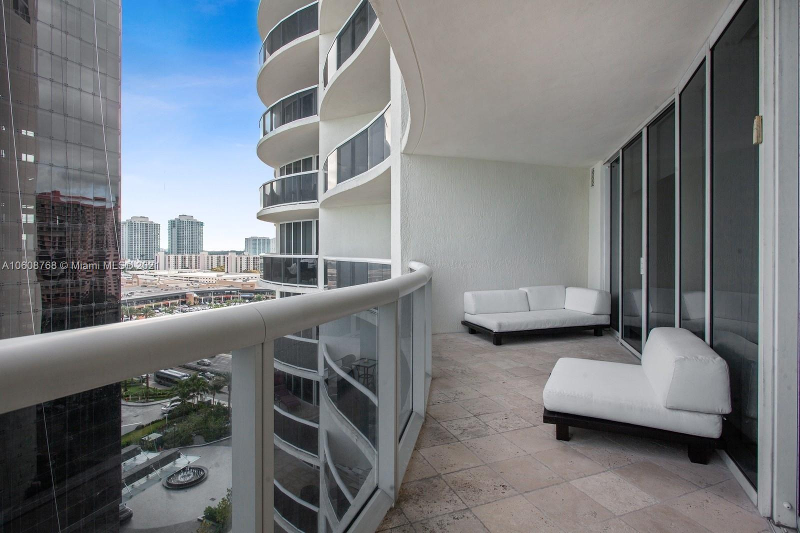 17201 Collins Ave #1203 photo018