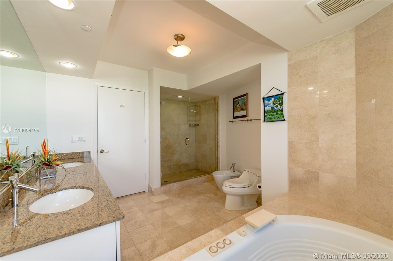 17201 collins ave #1508 photo012