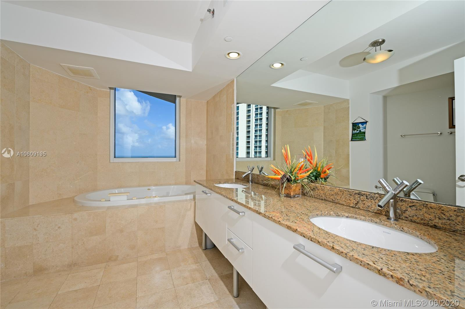 17201 collins ave #1508 photo011