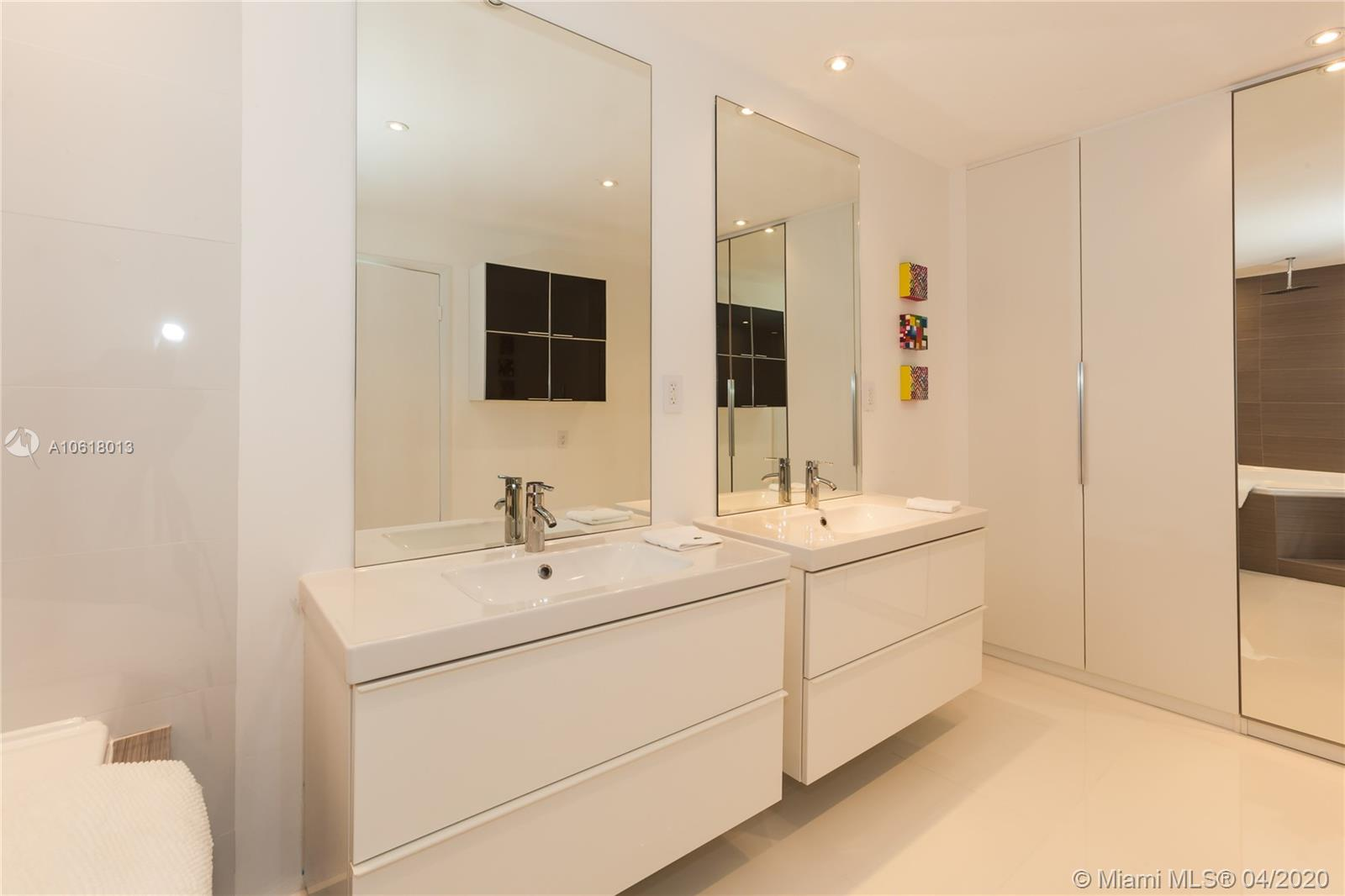 5161 Collins Ave #1718 photo016