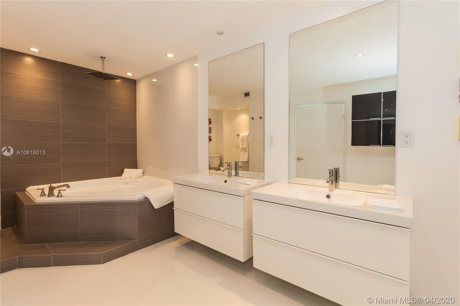 5161 Collins Ave #1718 photo018