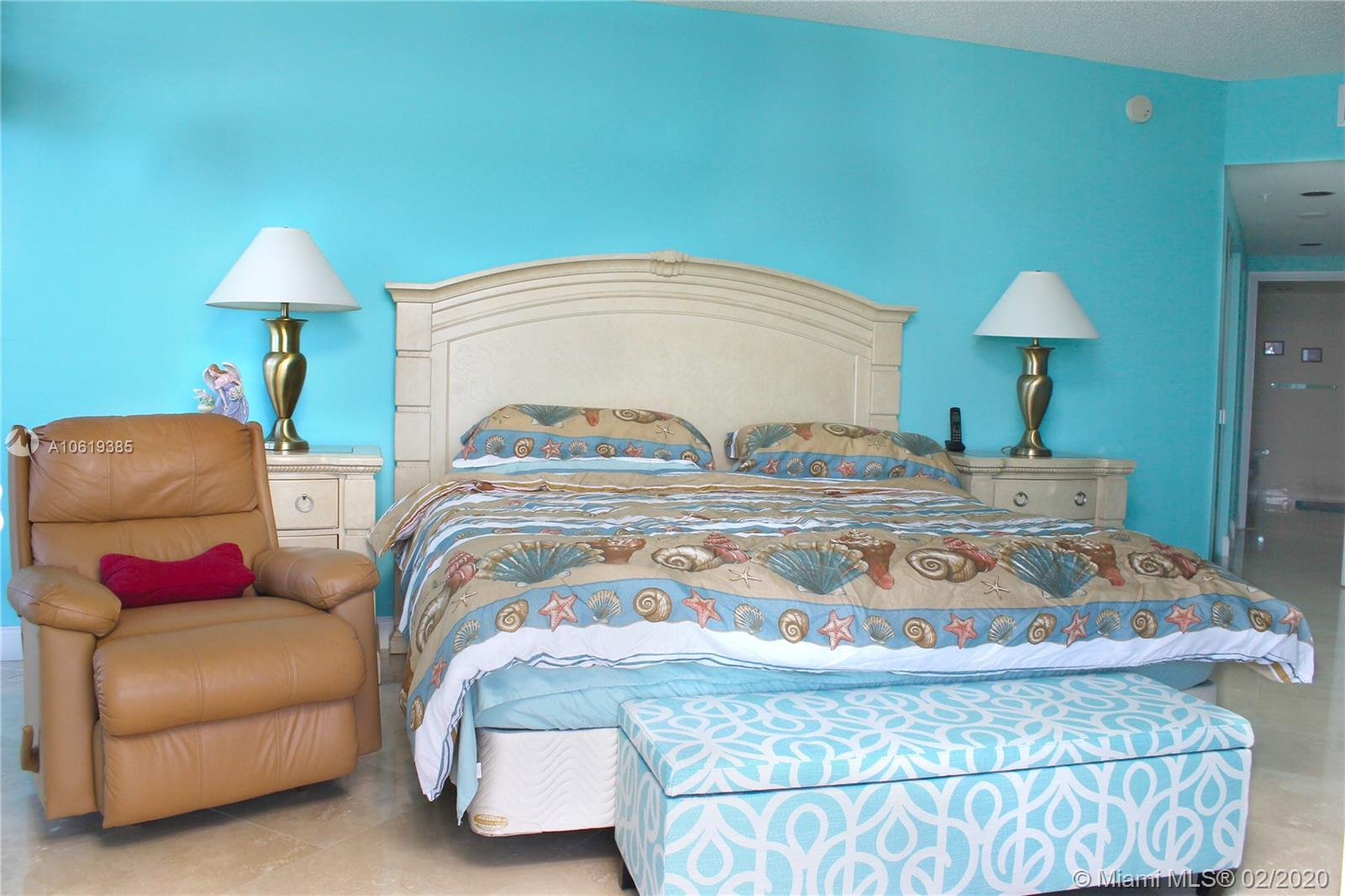17375 Collins Ave #601 photo010