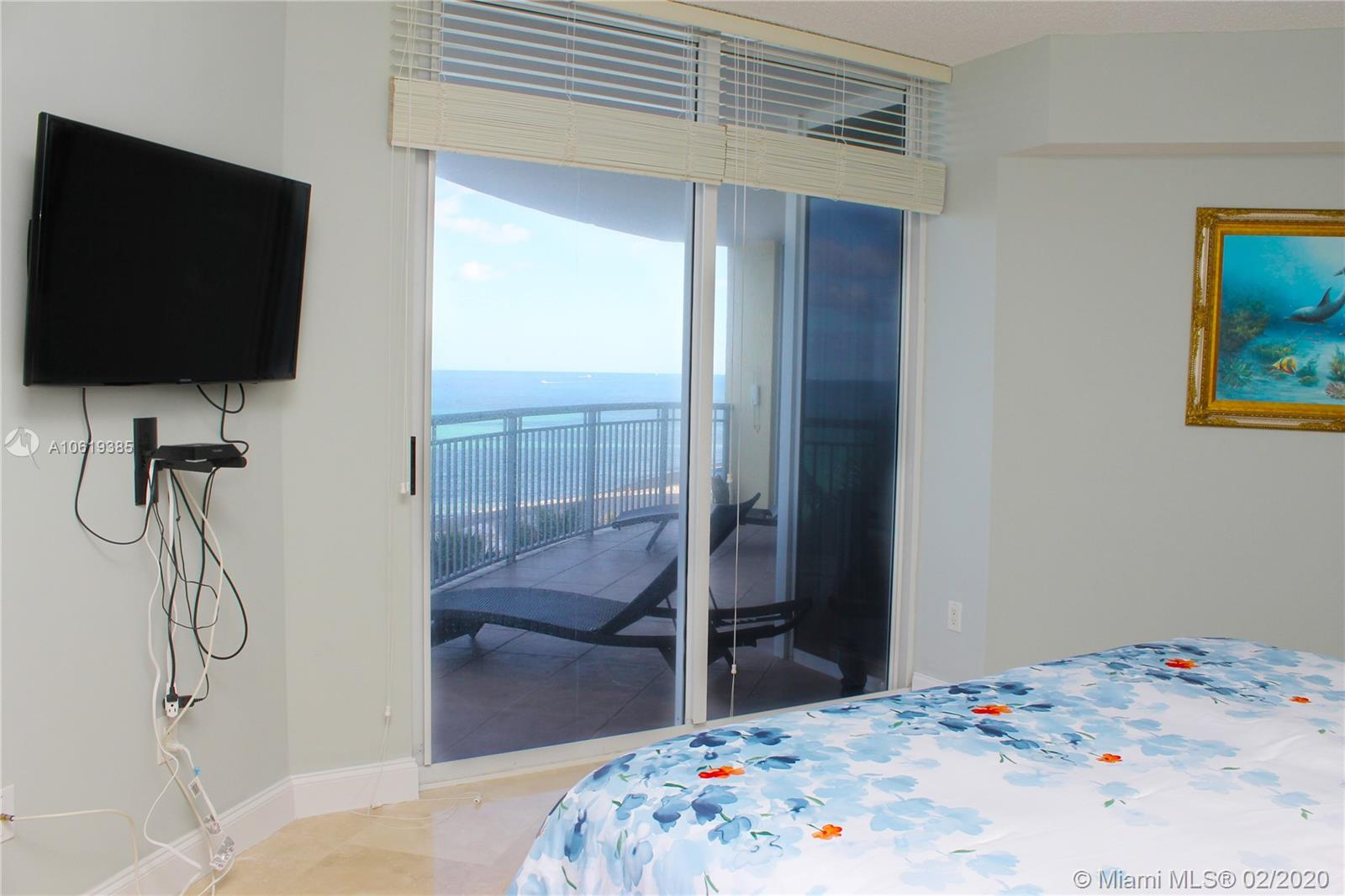 17375 Collins Ave #601 photo08