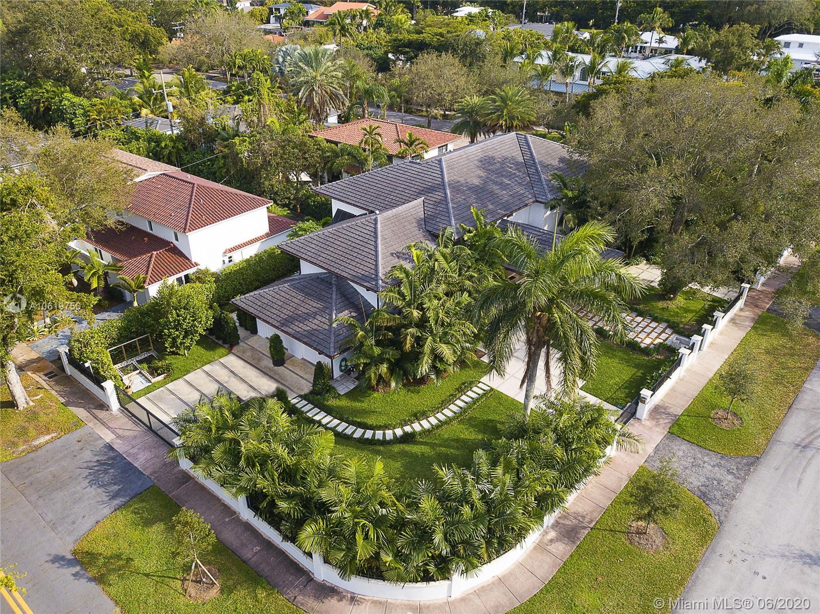 South Miami - 6611 Leonardo St, Coral Gables, FL 33146