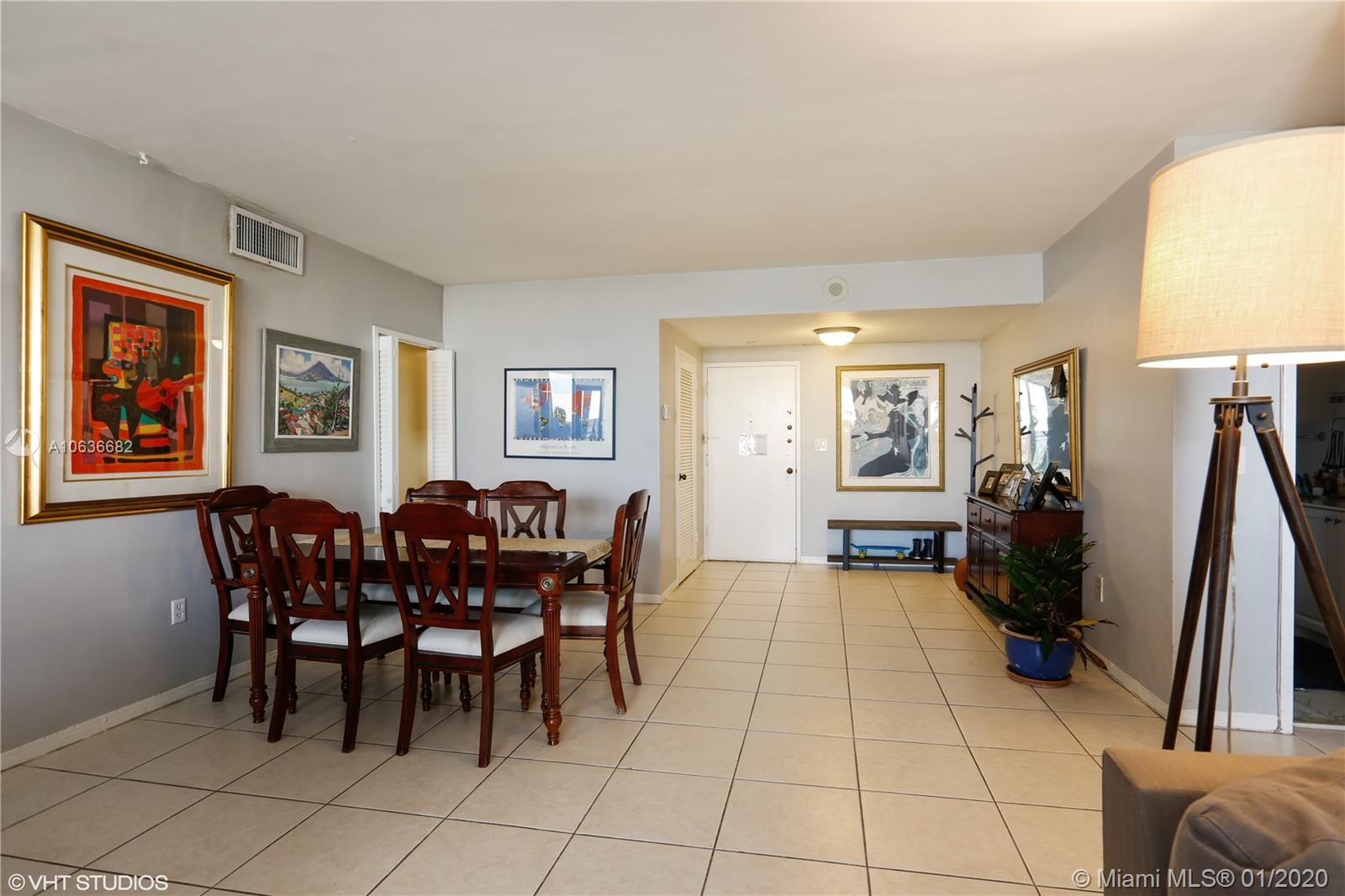 5825 Collins Ave #4A photo02