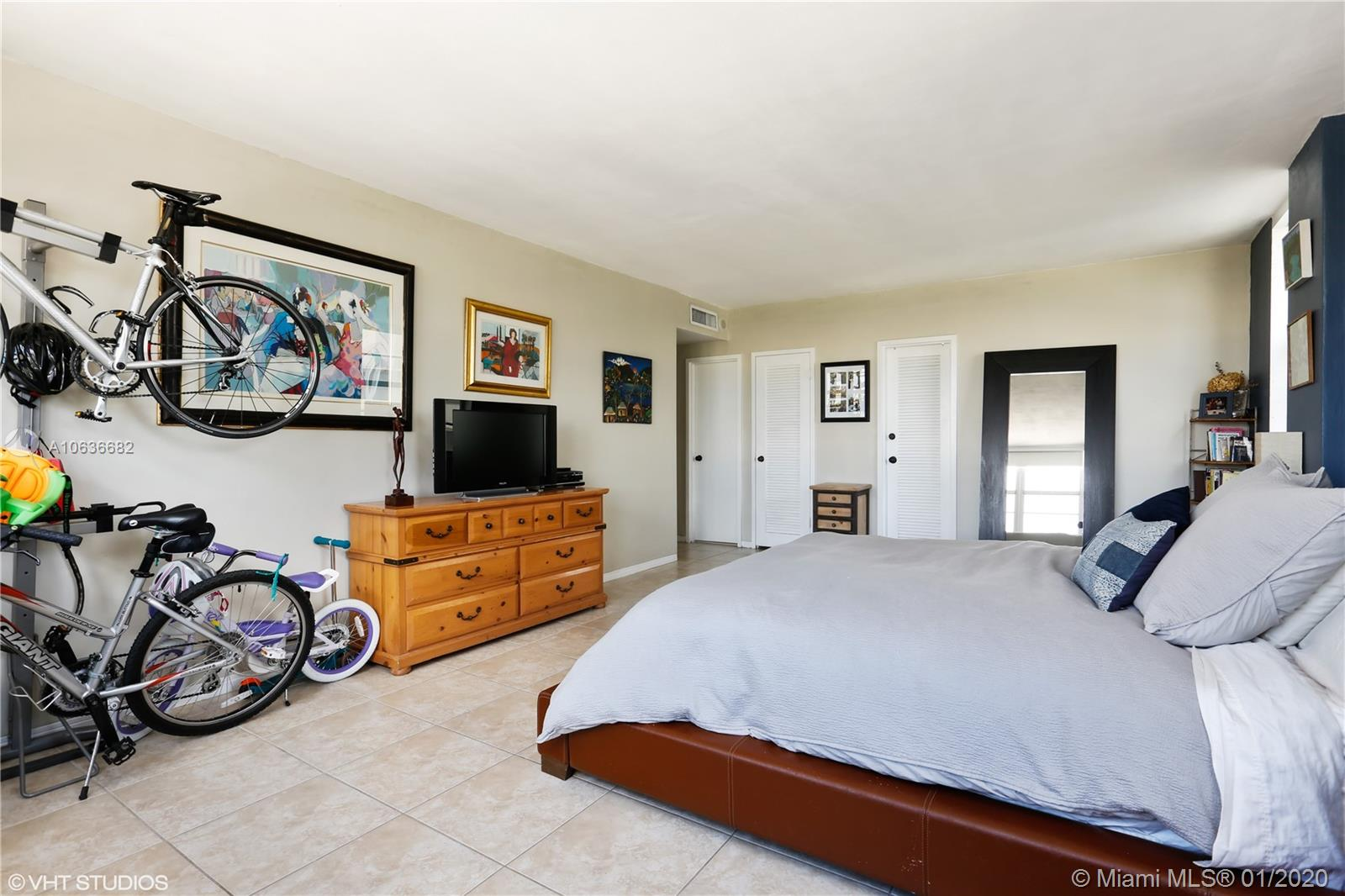 5825 Collins Ave #4A photo04