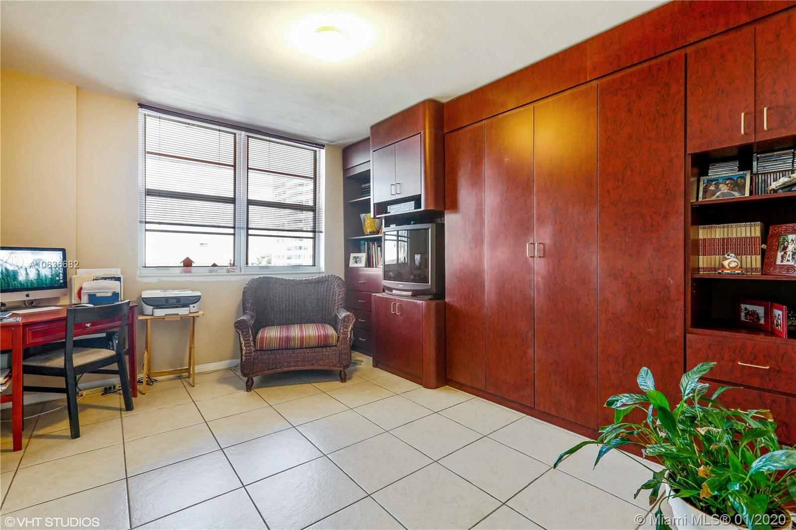 5825 Collins Ave #4A photo08