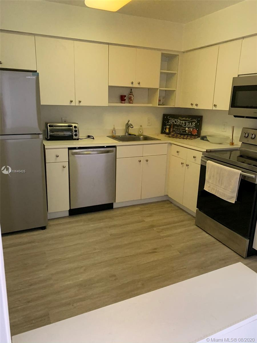 5161 Collins Ave #1410 photo09