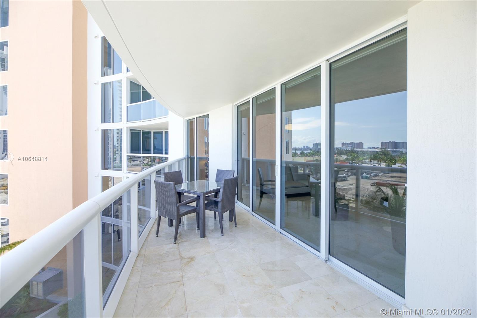 18911 Collins Ave #703 photo016