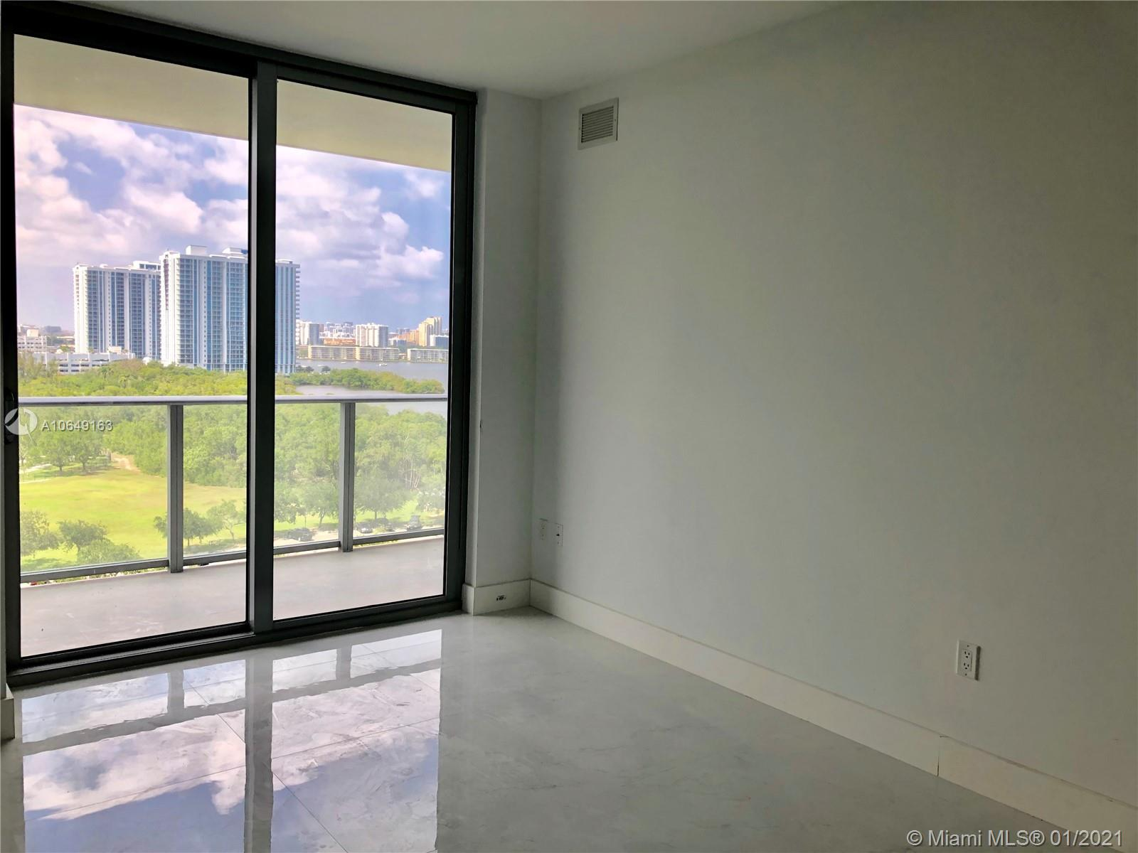 16385 BISCAYNE BLVD #1002 photo02