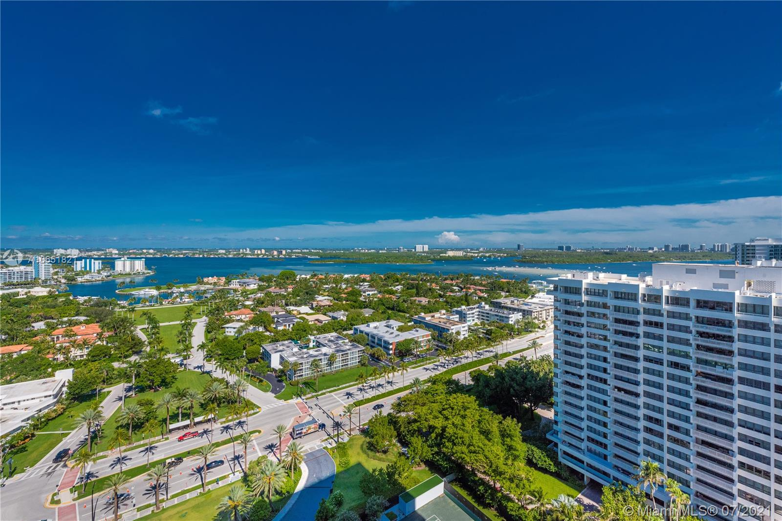 10201 Collins Ave #2107W photo02