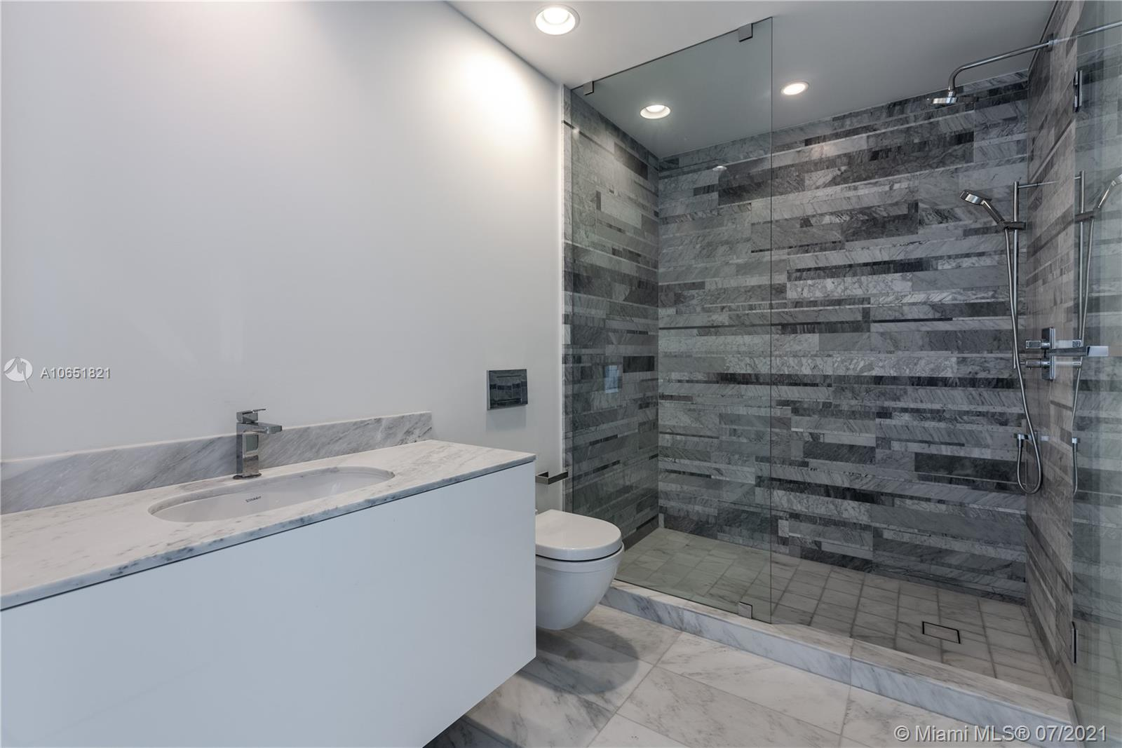 10201 Collins Ave #2107W photo028