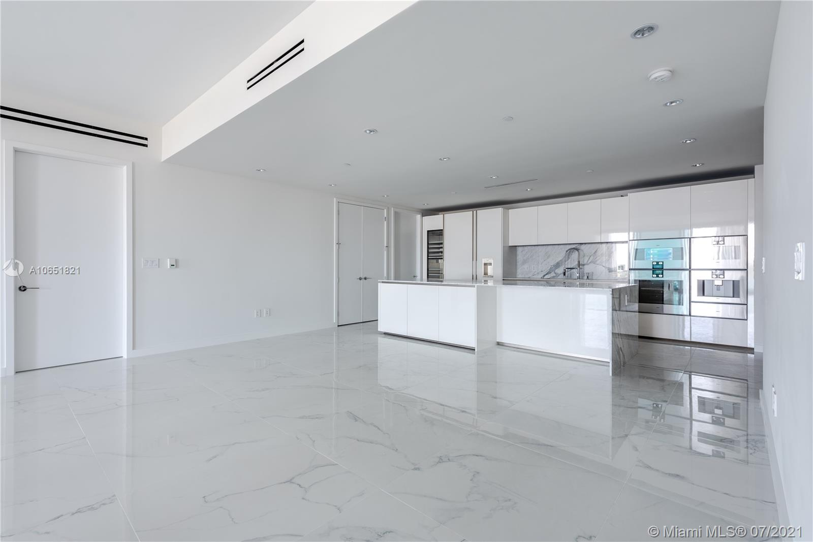 10201 Collins Ave #2107W photo05