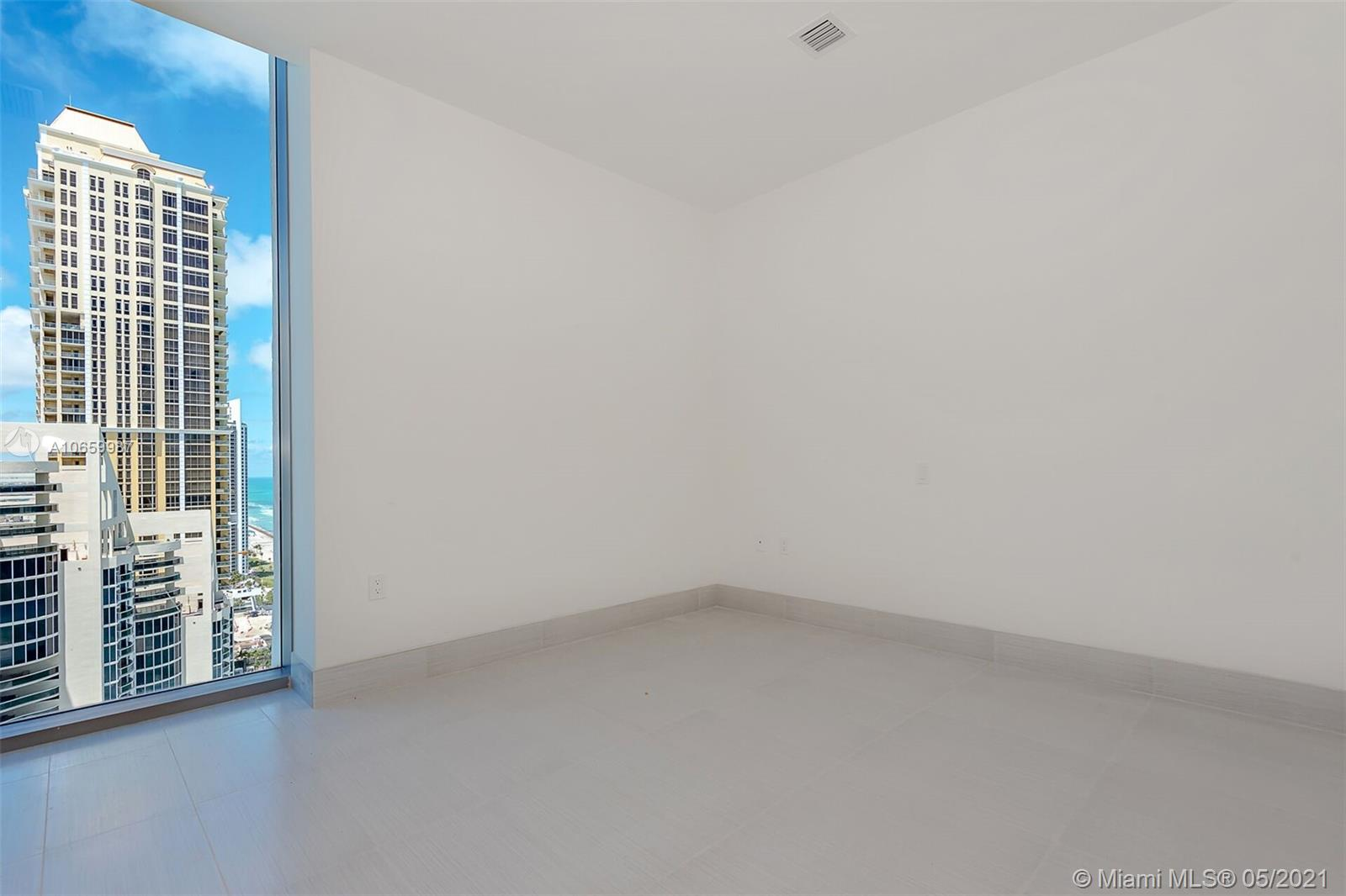 17475 Collins Ave #2701 photo013