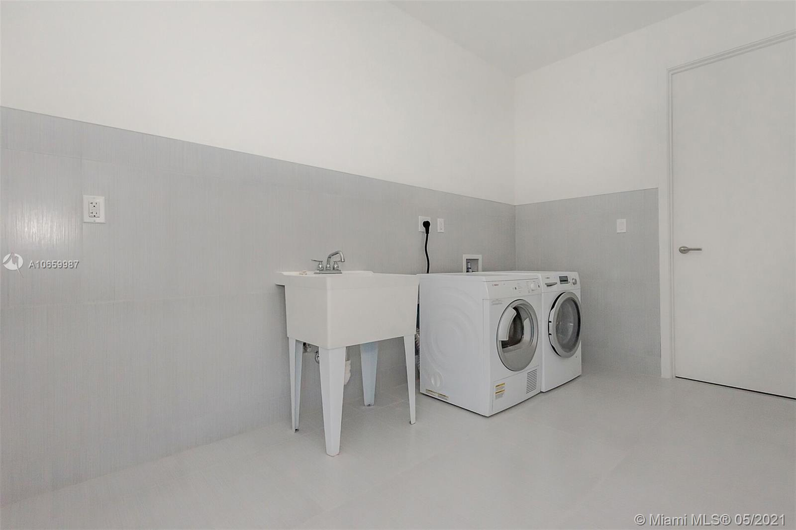 17475 Collins Ave #2701 photo016